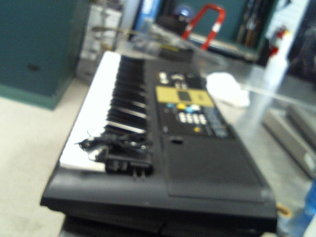 YAMAHA Keyboards/MIDI Equipment YPT-200