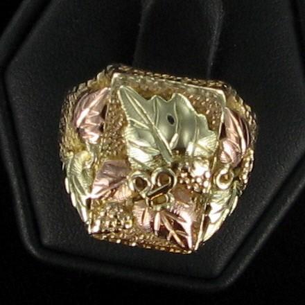 Lady's Gold Ring 10K 2 Tone Gold 6.5dwt