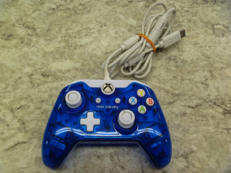 ROCK CANDY 048-012 WIRED XBOX ONE CONTROLLER