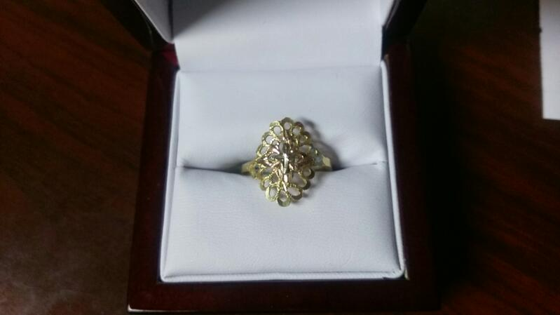 Lady's Gold Ring 14K Yellow Gold 1.7g size 6.5