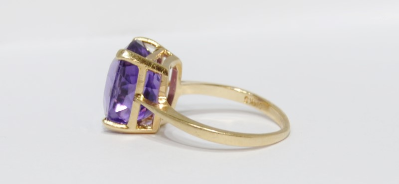 14K Yellow Gold Large Cushion Cut Amethyst Cocktail Ring Size 7