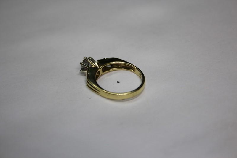 Lady's Diamond Engagement Ring 9 Diamonds .85 CTW18K Yellow Gold 4.8g Size: 6.5.