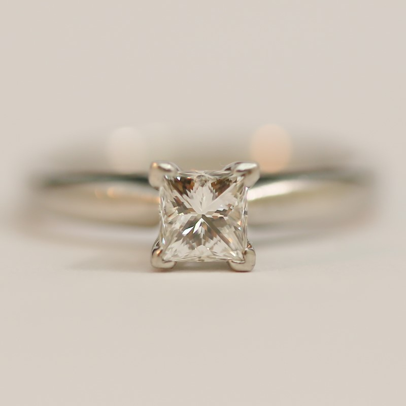 18K White Gold Princess Cut Diamond Solitaire Ring Size 5.25