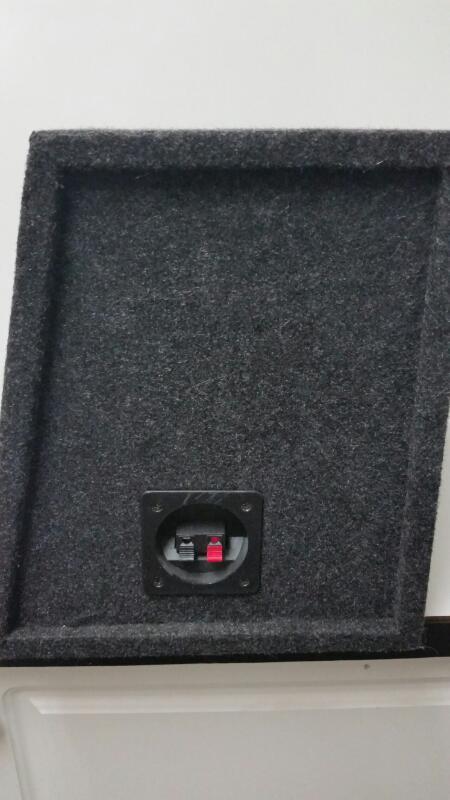 "KICKER CVT12 12"" SUBWOOFER INA CARPETED BOX"