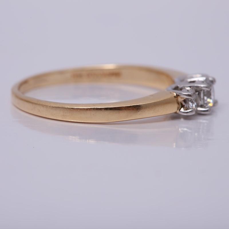 14K Yellow Gold 3 Stone Round Brilliant Diamond Ring Size 8.25