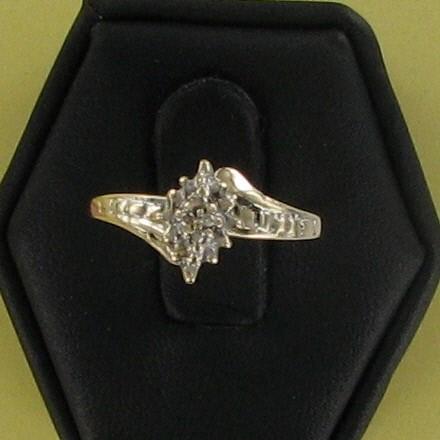 Lady's Diamond Cluster Ring 5 Diamonds .05 Carat T.W. 10K Yellow Gold 0.8dwt