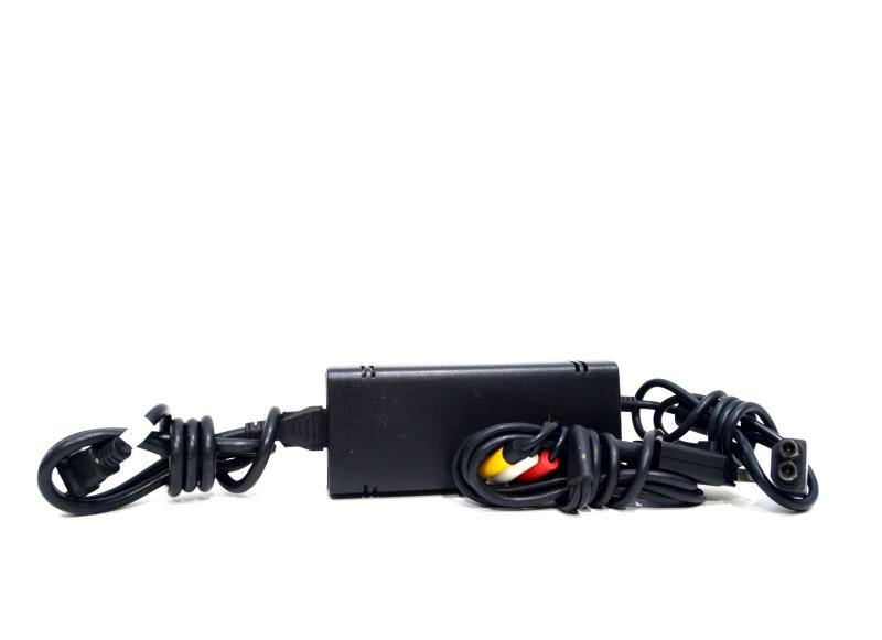 Microsoft Xbox 360 S Console Model 1439 320GB Kinect Bundle *