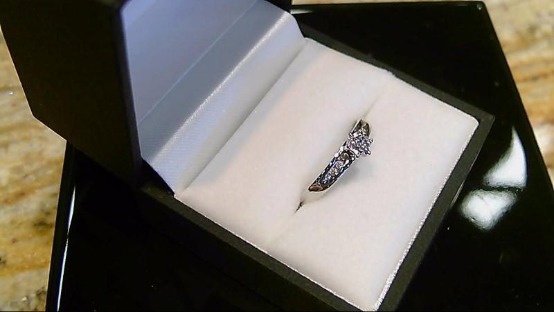 LADY'S 10K WHTIE GOLD ROUND DIAMOND ILLUSION ENGAGEMENT RING