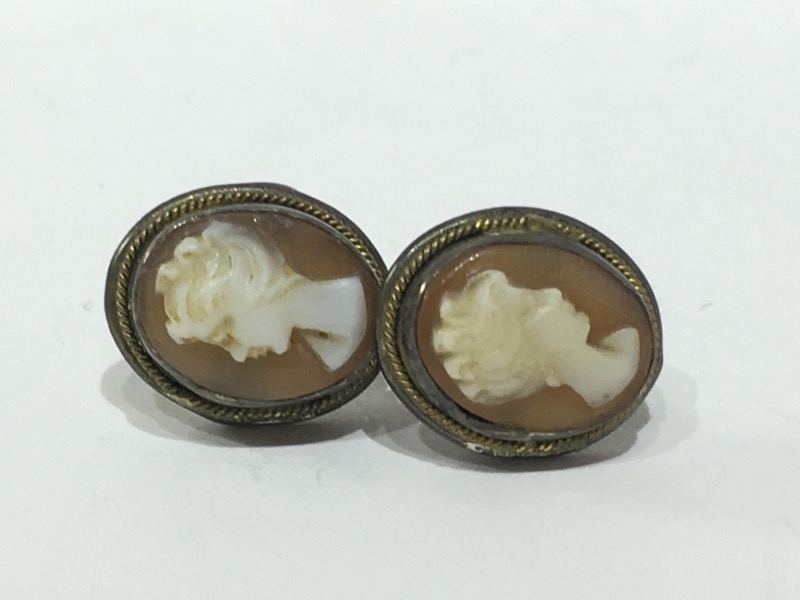 Antique Carnelian Shell Cameo Stud Screw-Back Earrings w/ Rope Detailing