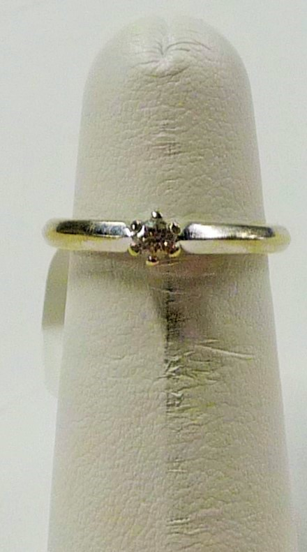 Lady's Diamond Solitaire Ring .10 CT. 14K White Gold 1.78dwt
