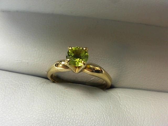 Peridot Lady's Stone Ring 14K Yellow Gold 2.4g