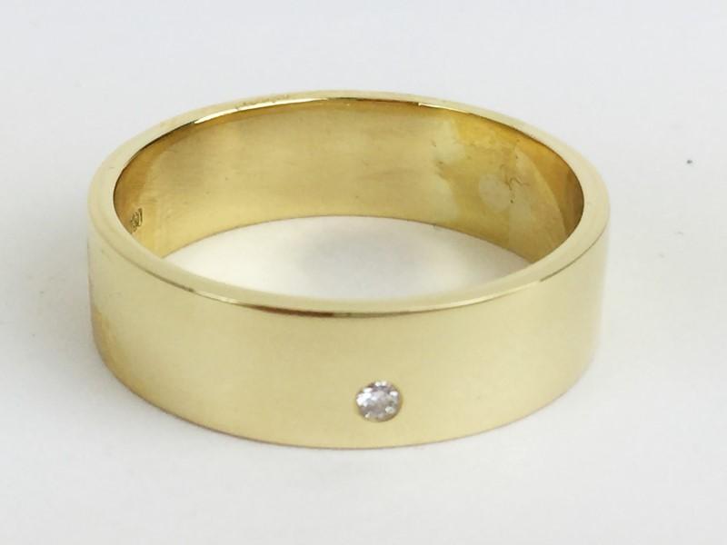 Diamon Wedding Band w .03 CT. 18K Yellow Gold 11.11g Size:12