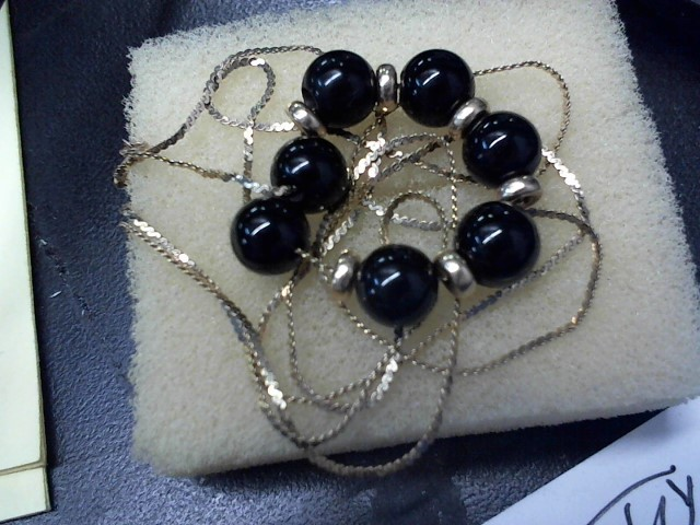 Black Stone Stone Necklace 10K Yellow Gold 1.6g