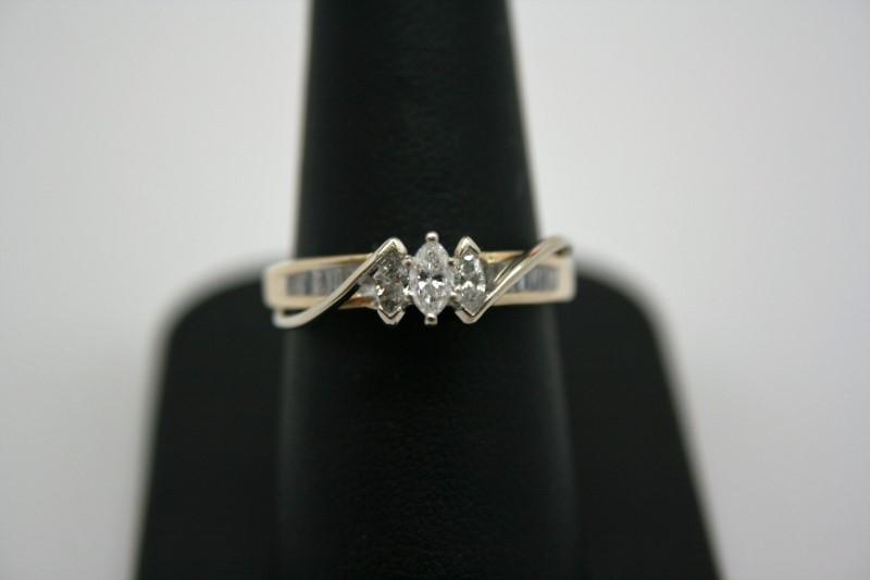 LADY'S FASHION DIAMOND RING 14K 2TONE GOLD