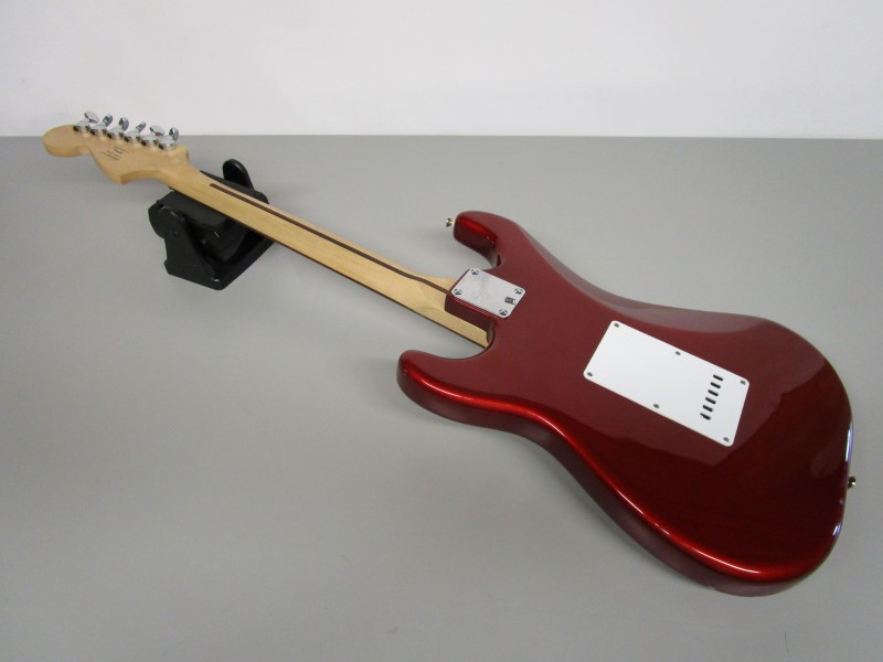 SQUIER STRAT BY FENDER, AFFINITY SERIES, SSH, METALLIC RED