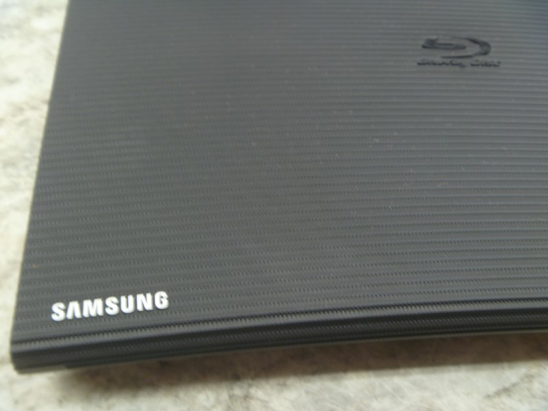 SAMSUNG BD-J5900 3D WIFI BLU-RAY DISC PLAYER WITH REMOTE