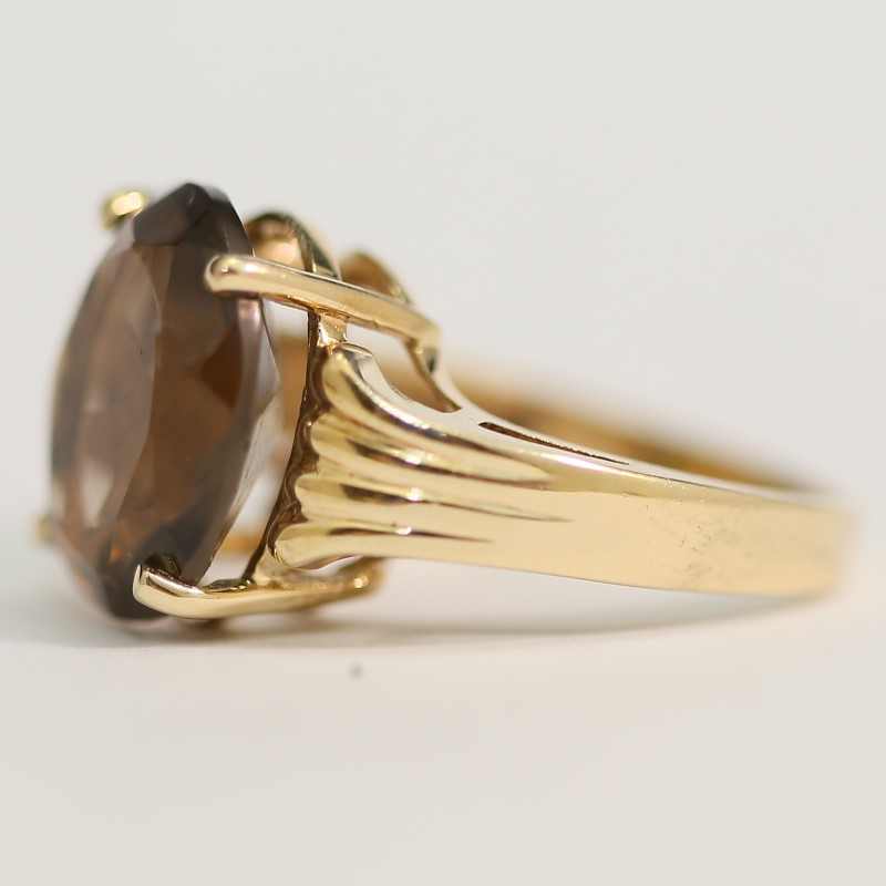 10K Yellow Gold Oval Cut Brown Stone Ring Size 6