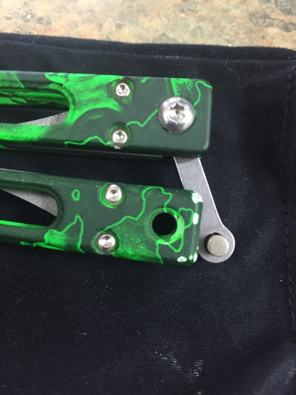 BEAR OPS Pocket Knife THE UNDEAD