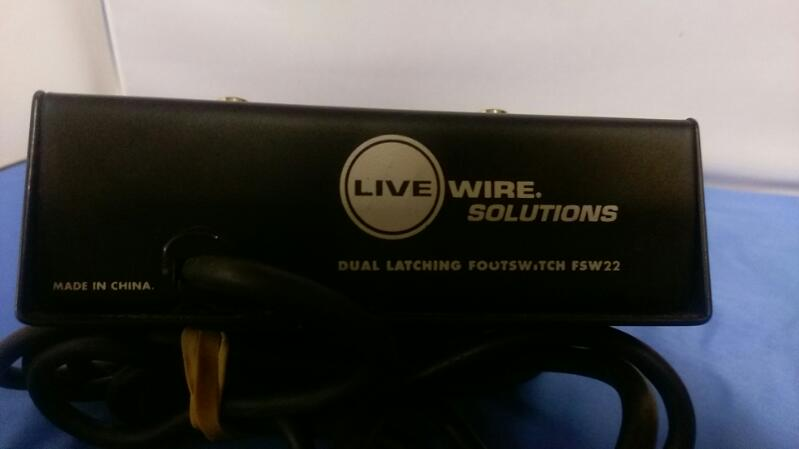 LIVEWIRE SOLUTIONS FSW22 DUAL LATCHING FOOTSWITCH PEDAL