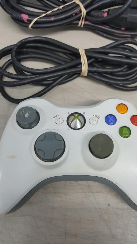 Microsoft Xbox 360 White S Console 4GB (Model 1439)