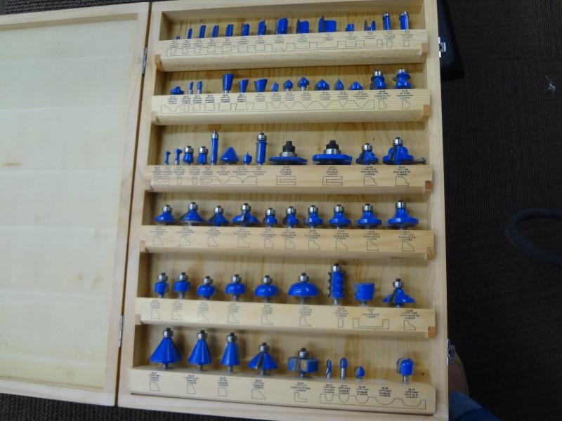 CRAFTEK 68 PC ROUTER BIT MASTER SET  BLUE TORNADO R970