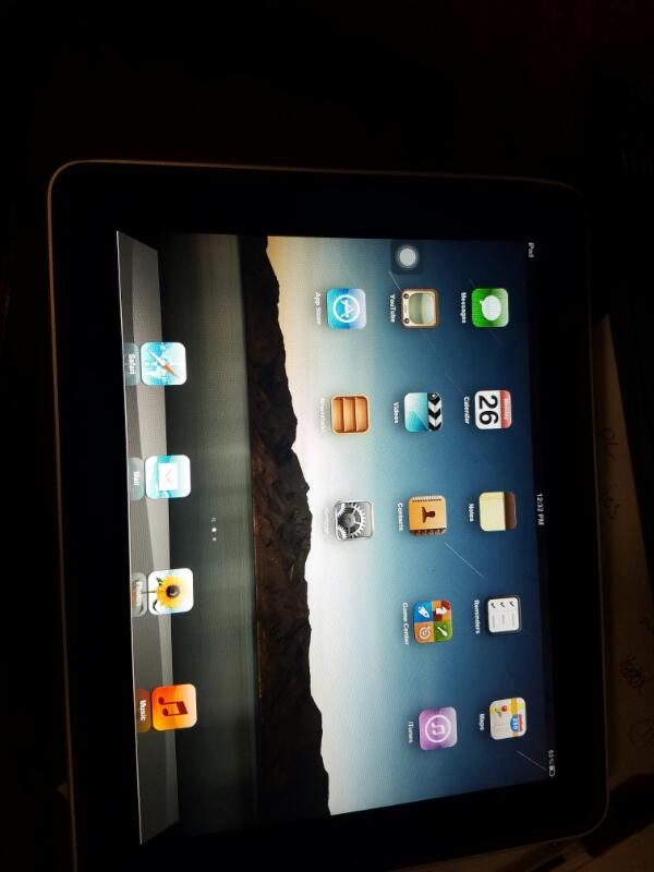 APPLE Tablet IPAD A1219 32GB