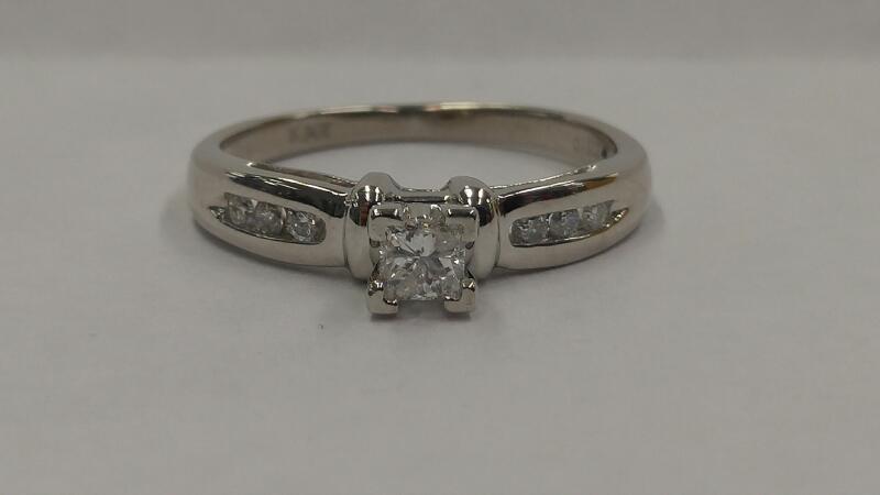 DIAMOND Lady's Platinum-Diamond Wedding Band 7 Diamonds .22 Carat T.W.
