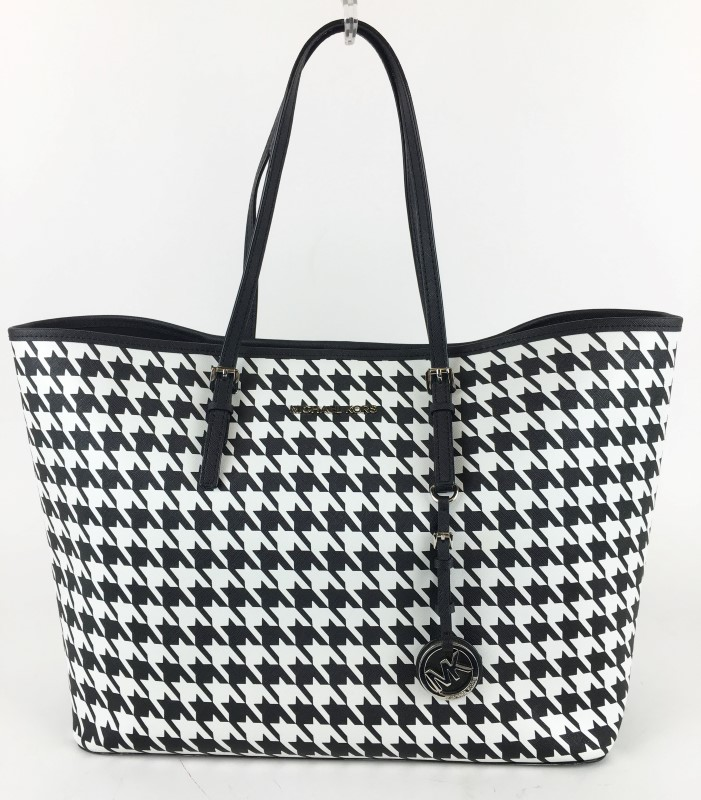 MICHAEL KORS JET SET TOTE IN BLACK AND WHITE