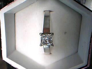 Lady's Diamond Solitaire Ring 2 Diamonds 1.09 Carat T.W. 14K White Gold 3.94g