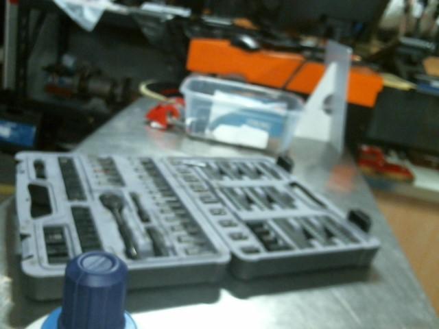 STANLEY Sockets/Ratchet 252-PIECE MACHANICS TOOL SET