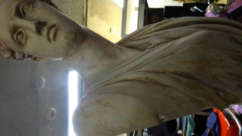 Sculpture/Carving STATUE