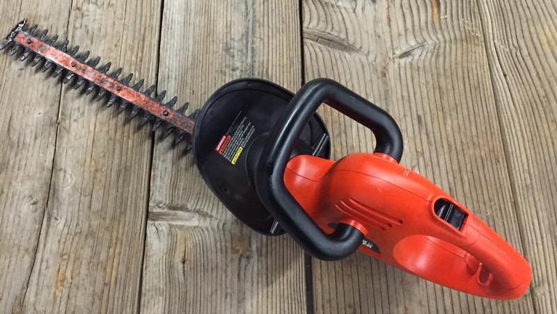 BLACK&DECKER Hedge Trimmer TR1800