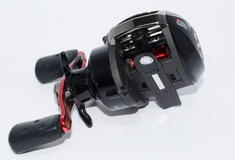 Abu Garcia Blackmax Baitcasting Fishing Reel BMAX2 6.4-1 5 Ball