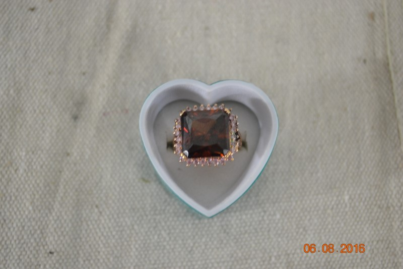 Red Stone Lady's Silver & Stone Ring 925 Silver 10.8g