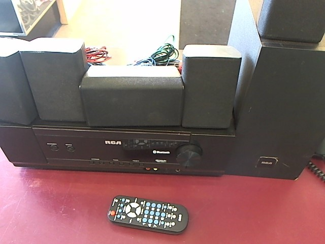 RCA BLUETOOTH SURROUND SOUND STEREO RT2781BE
