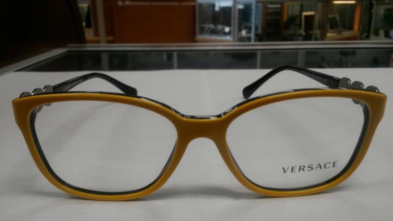 Pre-Owned Gianni Versace Luxurious Semi-suare Eyeglasses 3181-B