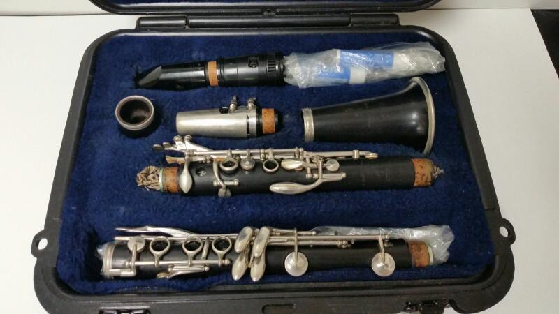 """Vintage 1952 Boosey & Hawkes Wooden Clarinet """"The Edgware"""" Made in England"""