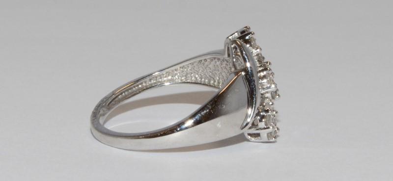 Lady's Diamond Cluster Ring 21 Diamonds .21 Carat T.W. 10K White Gold 2.45g