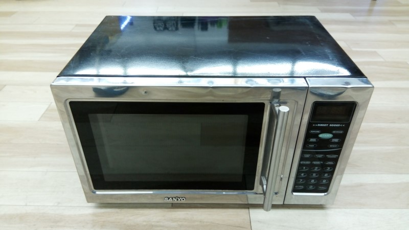 SANYO MICROWAVE OVEN EM-Z2001S