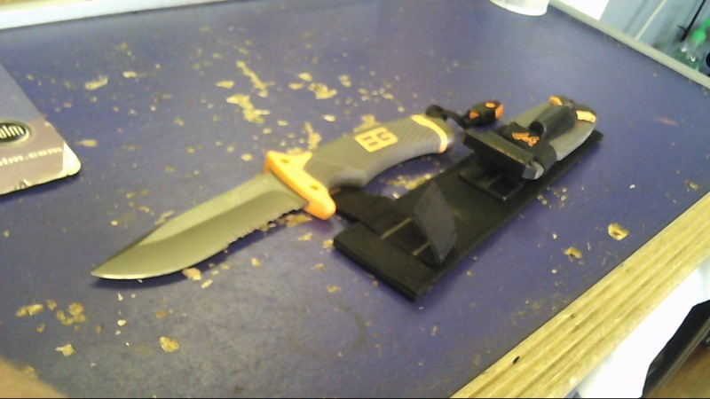 GERBER Hunting Knife BEAR GRYLLS ULTIMATE SURVIVAL KNIFE