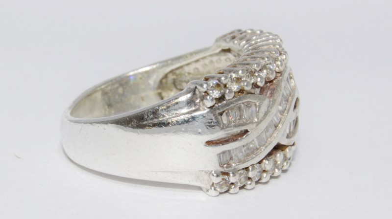 Sterling Silver Baguette Cubic Zirconia Twisted Dome Ring sz 7