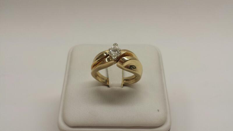 14k Yellow Gold Ring with 1 Marquise Diamond at .50ctw - 4.6dwt - Size 7.5