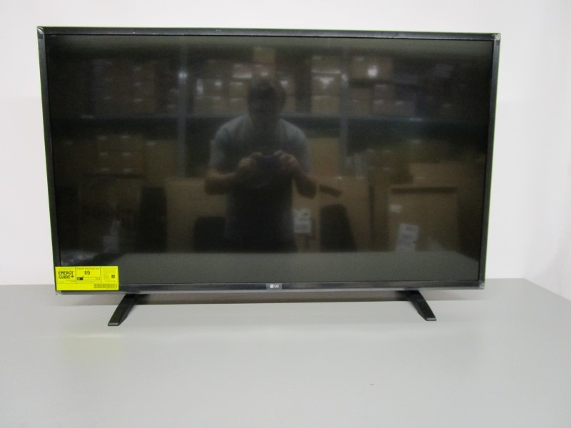 """LG 43LH5000 43"""" FLAT PANEL TELEVISION, LOCAL PICK-UP ONLY"""