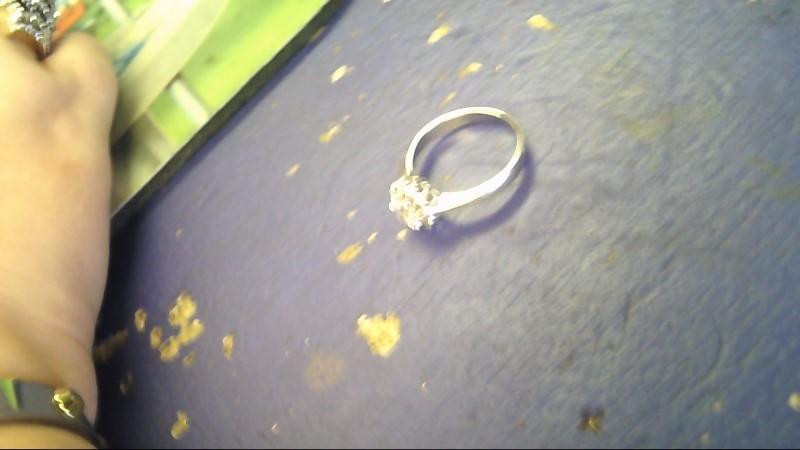 Lady's Gold Ring 10K White Gold 3.2g