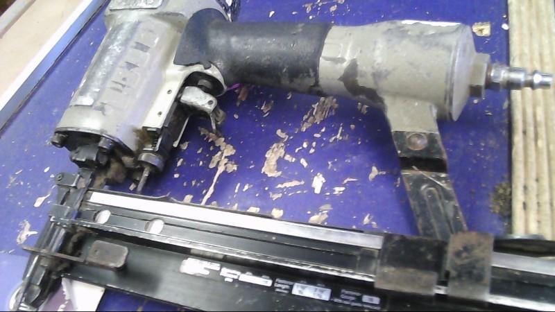PORTER CABLE Nailer/Stapler 125 BRAD NAILER