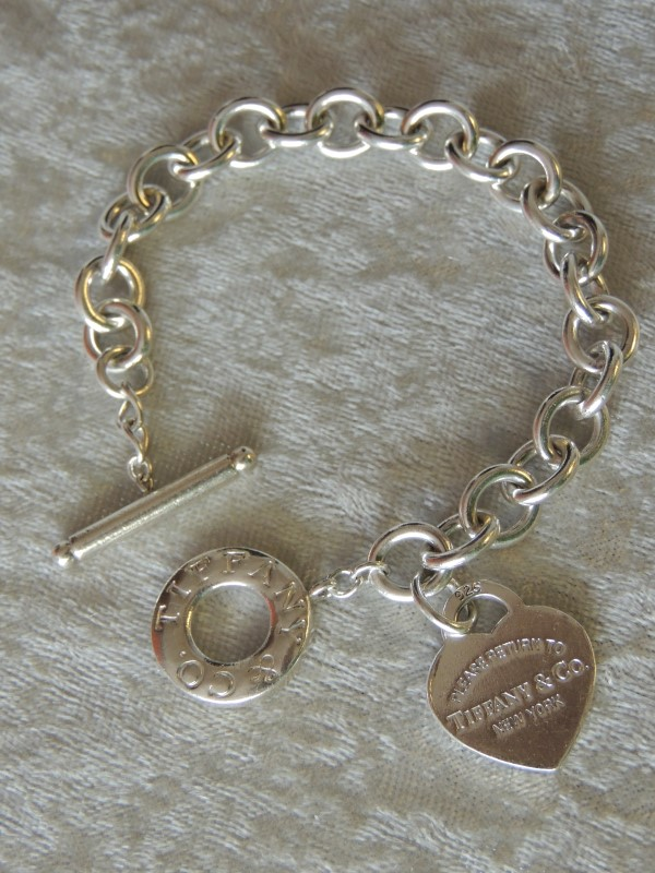Tiffany & Co. RETURN TO TIFFANY Heart Tag Toggle Bracelet Sterling Silver Authen
