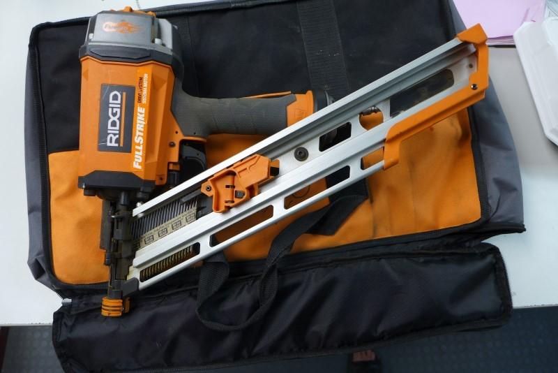 RIDGID TOOLS Nailer/Stapler R350CHE