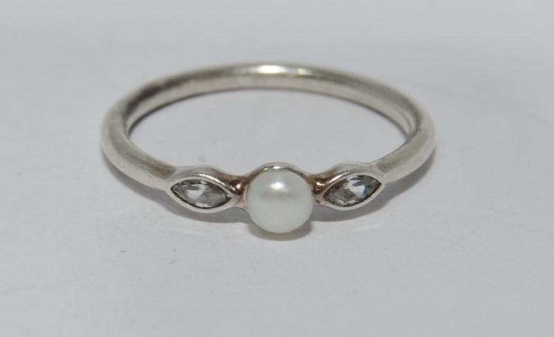 Authentic Pandora 925 ALE 56 Petite Luminous Leaves Pearl & Clear CZ Ring 7.5