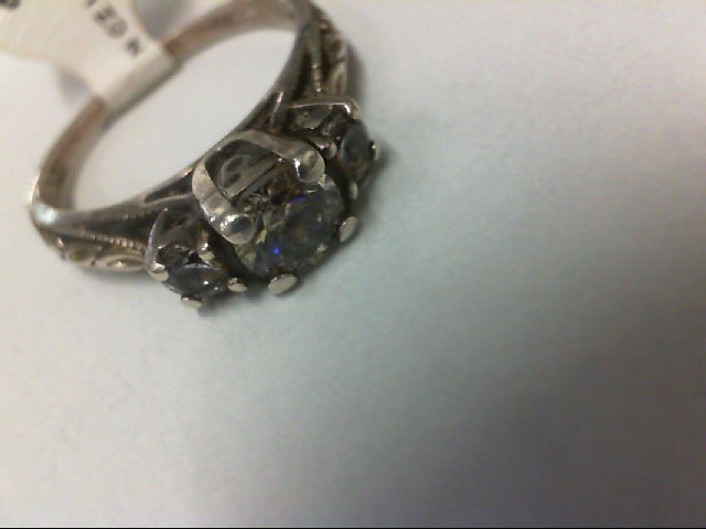 Synthetic Cubic Zirconia Lady's Silver & Stone Ring 925 Silver 3.04g