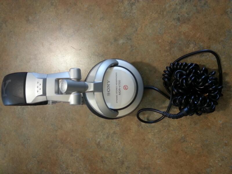 SONY Headphones MDR-V700DJ